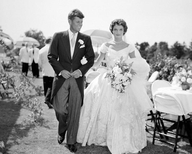Đệ nhất phu nhân Jackie Kennedy: Mạnh mẽ vượt qua nỗi đau mất con, chồng chết ngay trước mắt và biểu tượng thời trang sống mãi với thời gian - Ảnh 2.