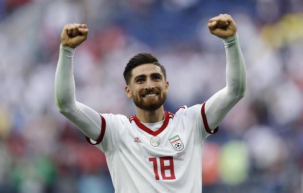 """""""Ronaldo mới"""" Alireza Jahanbakhsh, mối lo ngại lớn nhất của tuyển Việt Nam là ai? - Ảnh 1."""