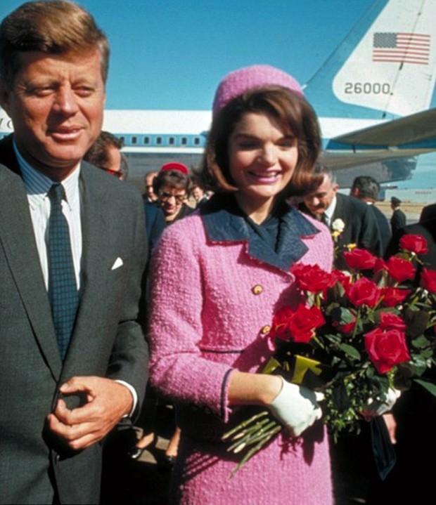 Đệ nhất phu nhân Jackie Kennedy: Mạnh mẽ vượt qua nỗi đau mất con, chồng chết ngay trước mắt và biểu tượng thời trang sống mãi với thời gian - Ảnh 16.