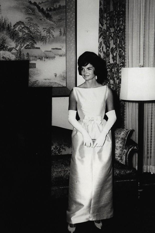 Đệ nhất phu nhân Jackie Kennedy: Mạnh mẽ vượt qua nỗi đau mất con, chồng chết ngay trước mắt và biểu tượng thời trang sống mãi với thời gian - Ảnh 9.