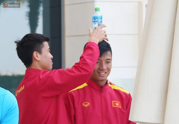 Tuyển Trung Quốc chơi trội khiến tuyển Việt Nam hết chỗ giải trí tại khách sạn dự Asian Cup 2019 - Ảnh 1.