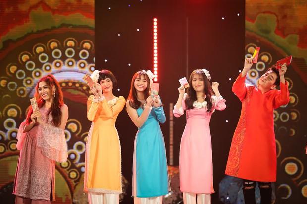 Hồ Ngọc Hà lần đầu trình diễn ca khúc mới, cùng dàn sao Việt đình đám hội ngộ trong chương trình nhạc Xuân 2019 - Ảnh 5.