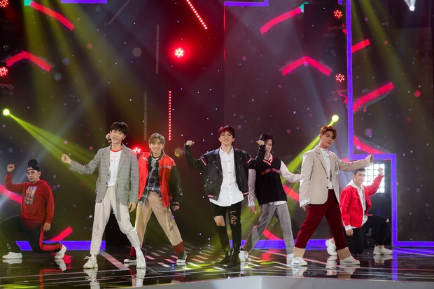 Hồ Ngọc Hà lần đầu trình diễn ca khúc mới, cùng dàn sao Việt đình đám hội ngộ trong chương trình nhạc Xuân 2019 - Ảnh 11.