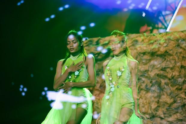 2 nhan sắc chuyển giới Hương Giang - Yoshi đọ mặt mộc trong buổi tổng duyệt Chung kết The Tiffany Vietnam - Ảnh 13.