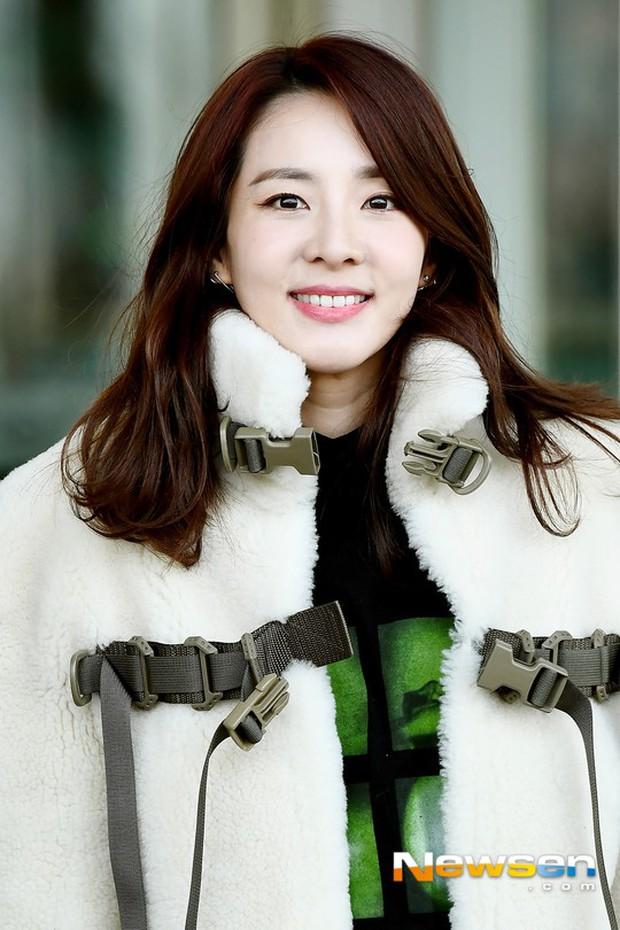 Nữ thần Irene đẹp xuất thần nhưng spotlight lại thuộc về Taeyeon chân dài khó tin và Dara đẹp đỉnh cao - Ảnh 14.
