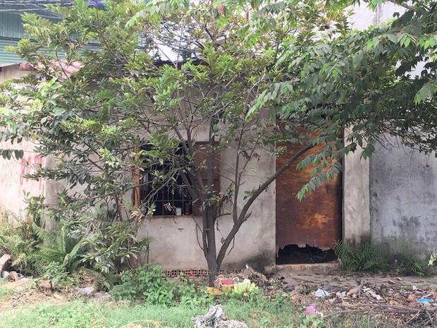 Phát hiện người đàn ông độc thân chết bốc mùi trong căn nhà tạm - Ảnh 3.