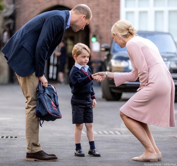 Cả Hoàng gia Anh, Bill Gates và các gia đình giàu có nhất thế giới đều tin vào phương pháp giáo dục này - Ảnh 1.
