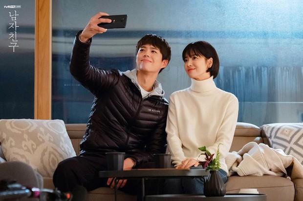 Với 4 tips diện đồ ai cũng học được, Song Hye Kyo vừa hóa nữ thần công sở lại cưa đổ trai trẻ trong Encounter - Ảnh 5.
