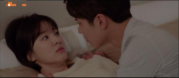 Lần đầu ngủ chung giường với phi công trẻ, Song Hye Kyo đã biểu cảm thế này - Ảnh 6.