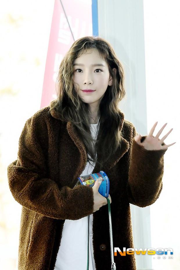 Nữ thần Irene đẹp xuất thần nhưng spotlight lại thuộc về Taeyeon chân dài khó tin và Dara đẹp đỉnh cao - Ảnh 10.