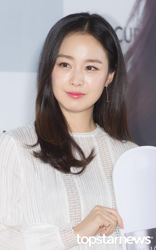 Phát cuồng trước mỹ nhân được cho là tình mới của tài tử Sắc đẹp ngàn cân: Đẹp na ná Kim Tae Hee, body nóng bỏng - Ảnh 8.
