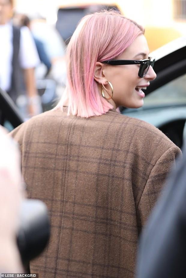 Nổi mụn chi chít, có lẽ Justin Bieber nên học hỏi vợ cách sở hữu làn da láng mịn như búp bê không cần photoshop! - Ảnh 3.