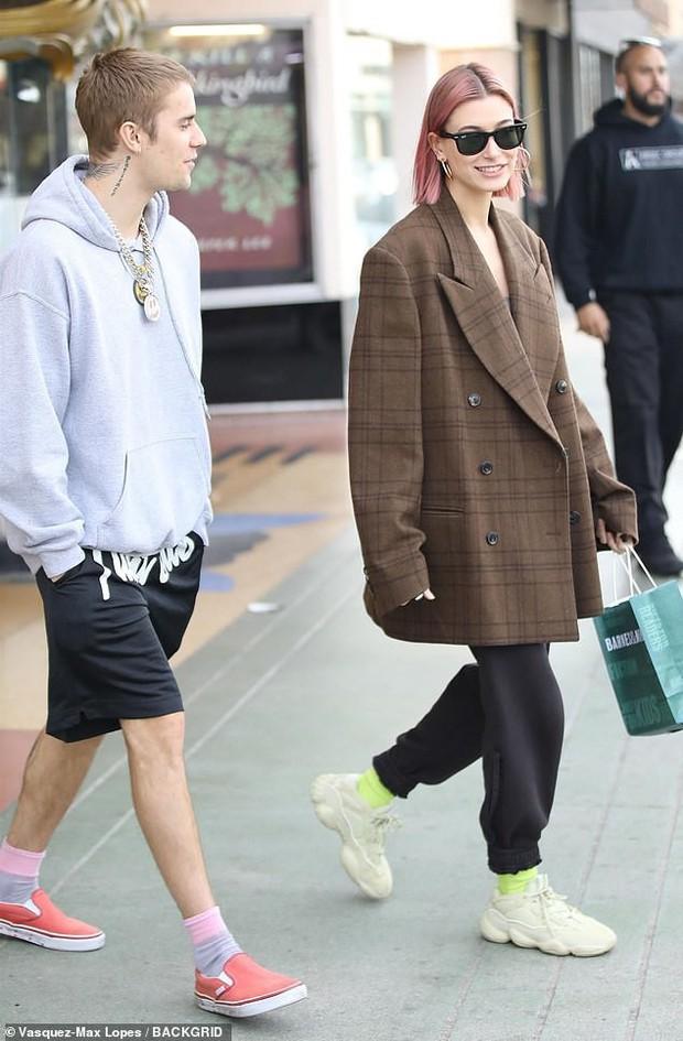 Nổi mụn chi chít, có lẽ Justin Bieber nên học hỏi vợ cách sở hữu làn da láng mịn như búp bê không cần photoshop! - Ảnh 6.