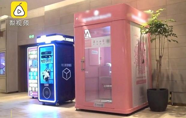 Nền kinh tế chia sẻ Trung Quốc lại có một kiểu kinh doanh mới: Dùng chung mỹ phẩm và phòng trang điểm - Ảnh 1.