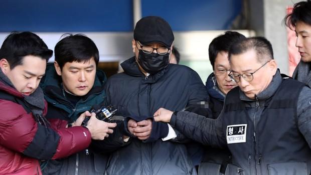 """Chỉ tháng đầu năm, làng phim Hàn """"méo mặt"""" vì 7 vụ ồn ào chấn động, đến phim hot SKY Castle cũng vướng chỉ trích - Ảnh 3."""