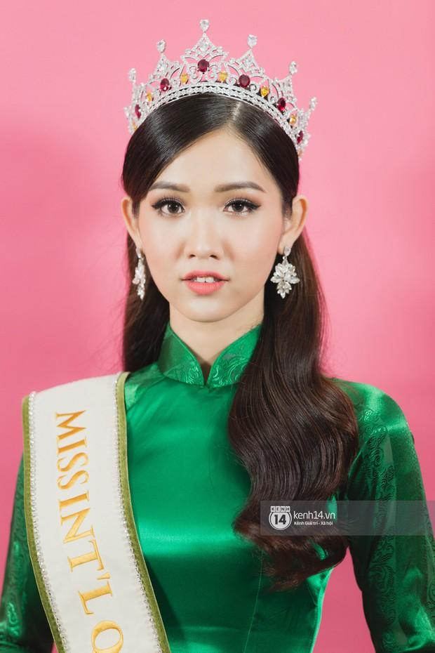 Quán quân The Tiffany Vietnam Nhật Hà diện áo dài đọ sắc cùng Hoa hậu Hương Giang và Á hậu Yoshi - Ảnh 15.