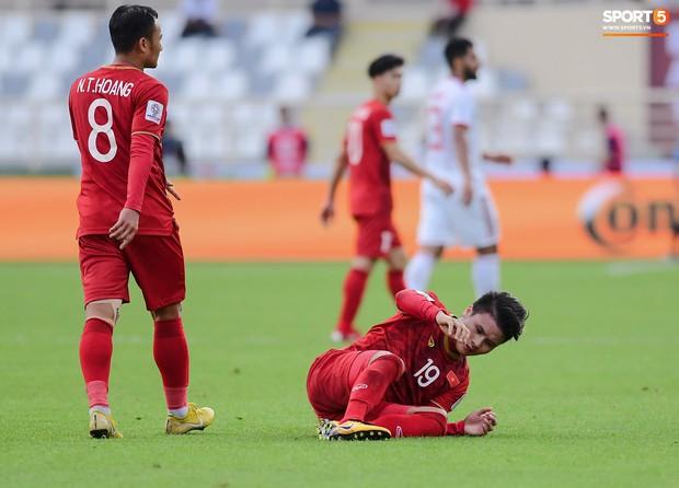 Tuyển Việt Nam tại Asian Cup 2019: Người đổ máu, người sưng húp mắt, mất trí nhớ tạm thời - Ảnh 7.