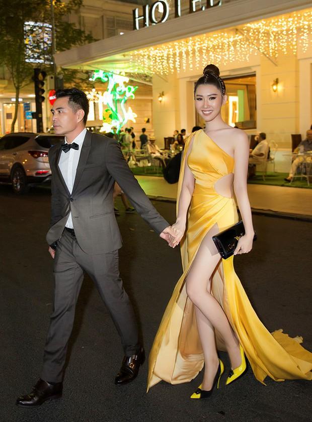 Lên sân khấu chụp ảnh lưu niệm, Thuý Ngân bị lấy cắp túi hiệu khi tham dự lễ trao giải tối qua - Ảnh 3.
