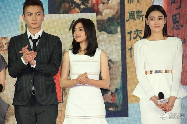 Ngoài Jisoo, Lisa (Black Pink), dàn mỹ nhân đẹp xuất chúng này từng chịu cảnh làm nền cho người kém sắc hơn - Ảnh 21.