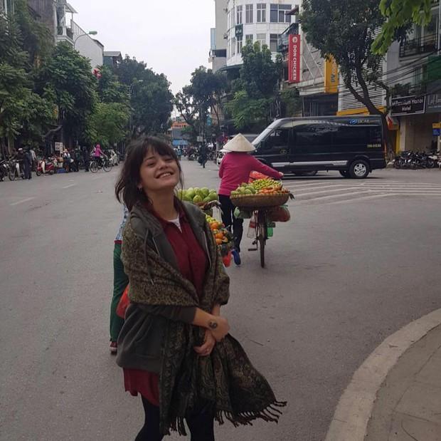 Cô gái Pháp về Việt Nam tìm cha chỉ với một bức ảnh duy nhất và cái kết ngọt ngào từ sự giúp đỡ của cộng đồng - Ảnh 3.