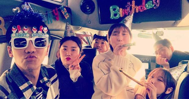 Lee Seung Gi đón sinh nhật tại phim trường bom tấn 500 tỉ, đặc biệt Suzy, Sungjae và dàn sao đình đám góp mặt - Ảnh 6.