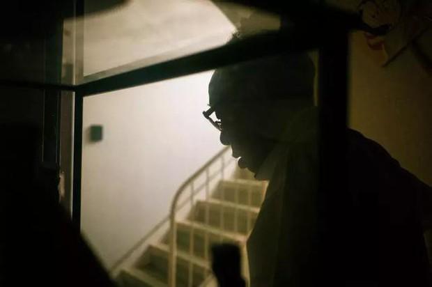 3 năm, 32 bức ảnh, nhiếp ảnh gia ghi lại quá trình trước khi cha từ giã cõi đời vì ung thư: Đừng để người thân một mình chống chọi - Ảnh 14.
