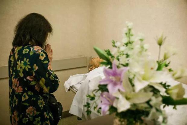 3 năm, 32 bức ảnh, nhiếp ảnh gia ghi lại quá trình trước khi cha từ giã cõi đời vì ung thư: Đừng để người thân một mình chống chọi - Ảnh 26.