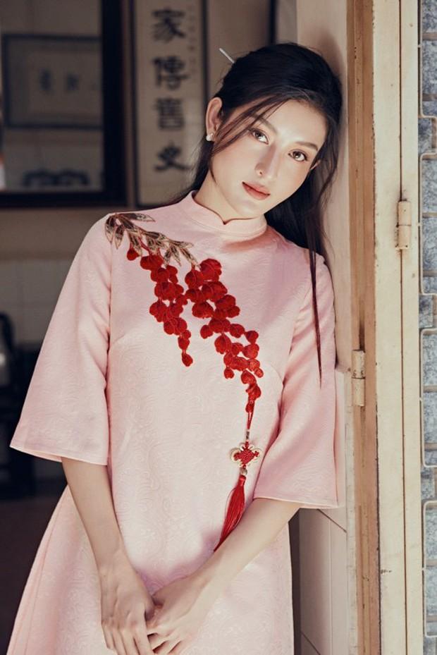 Huyền My đẹp mơ màng trong tà áo dài của Oceana London - Ảnh 5.