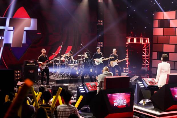 Ban nhạc Việt: Mang cả chồng ra chiêu dụ thí sinh nhưng Mỹ Linh vẫn không thắng nổi Phương Uyên - Ảnh 1.
