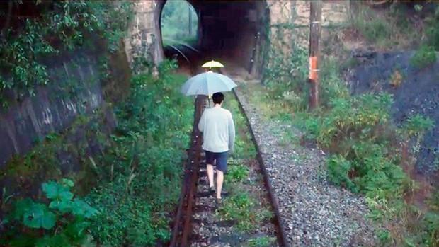 Hầm xe lửa Đà Lạt đẹp như phim Em sẽ đến cùng cơn mưa  - Ảnh 3.