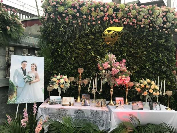 Bộ ảnh cưới đẹp như mơ cùng gia thế khủng của cô dâu vàng đeo trĩu cổ sống trong lâu đài 7 tầng ở Nam Định - Ảnh 2.