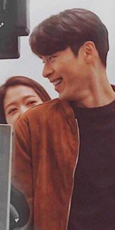 Chỉ có fan tinh ý mới phát hiện cô nàng Park Shin Hye có thói quen siêu cấp dễ cưng ở hậu trường Hồi Ức Alhambra - Ảnh 7.