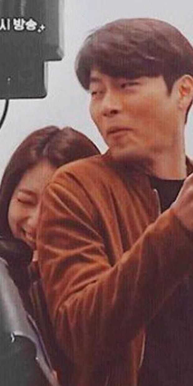 Chỉ có fan tinh ý mới phát hiện cô nàng Park Shin Hye có thói quen siêu cấp dễ cưng ở hậu trường Hồi Ức Alhambra - Ảnh 8.