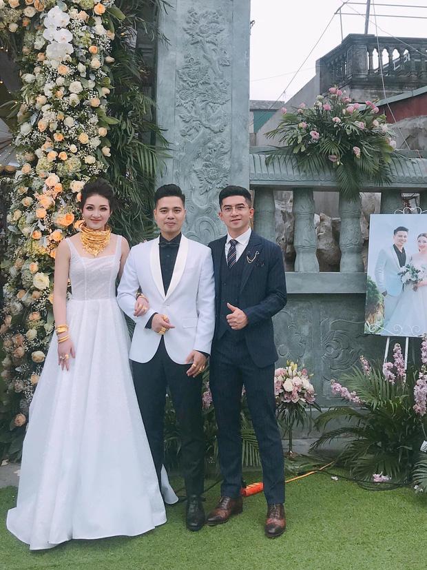 Bộ ảnh cưới đẹp như mơ cùng gia thế khủng của cô dâu vàng đeo trĩu cổ sống trong lâu đài 7 tầng ở Nam Định - Ảnh 10.
