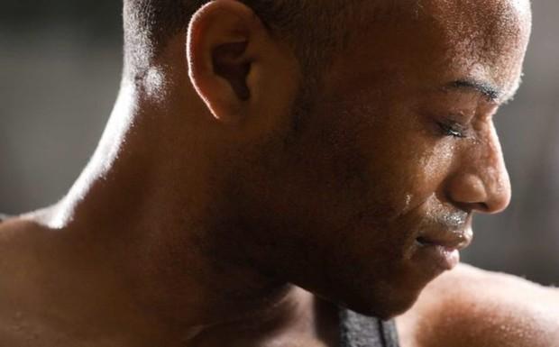 Dấu hiệu cảnh báo cơ thể thiếu vitamin D - Ảnh 2.