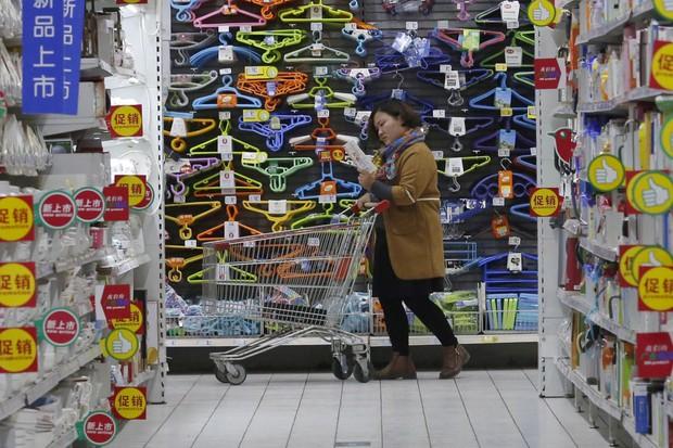 Người lao động Trung Quốc có thể được nghỉ 2,5 ngày cuối tuần để đi mua sắm - Ảnh 1.