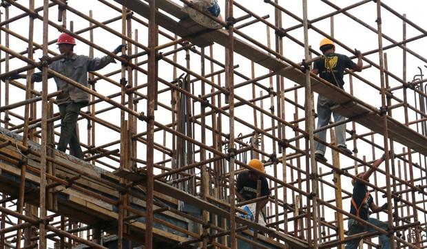 Người lao động Trung Quốc có thể được nghỉ 2,5 ngày cuối tuần để đi mua sắm - Ảnh 2.