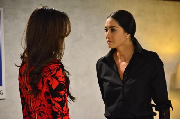 """Rùng mình nhìn hai chị đại Thái Lan thi thố tát khỏe tát đau tóe lửa trong """"Cuộc Chiến Producer"""" - Ảnh 7."""