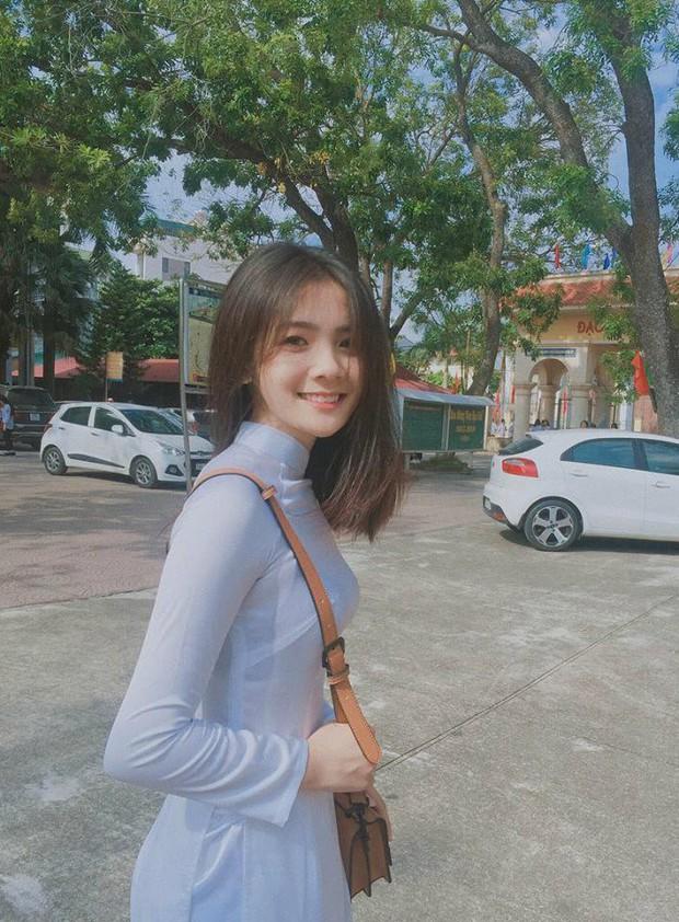 Nữ sinh Việt diện áo dài trắng: Người xinh đẹp trong trẻo xuất sắc, người quyến rũ với 3 vòng siêu chuẩn - Ảnh 7.