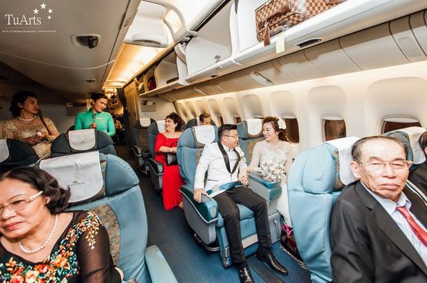 Đám cưới tại lâu đài trăm tỷ, rước dâu bằng Rolls-Royce và máy bay: Nam Định xứng đáng đứng đầu về độ chịu chơi tổ chức đám cưới - Ảnh 13.