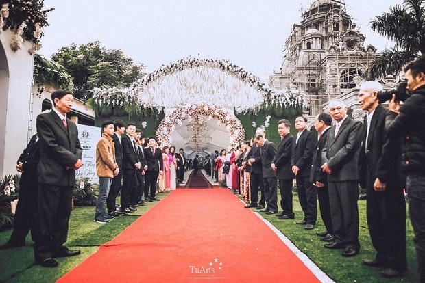 Đám cưới tại lâu đài trăm tỷ, rước dâu bằng Rolls-Royce và máy bay: Nam Định xứng đáng đứng đầu về độ chịu chơi tổ chức đám cưới - Ảnh 17.