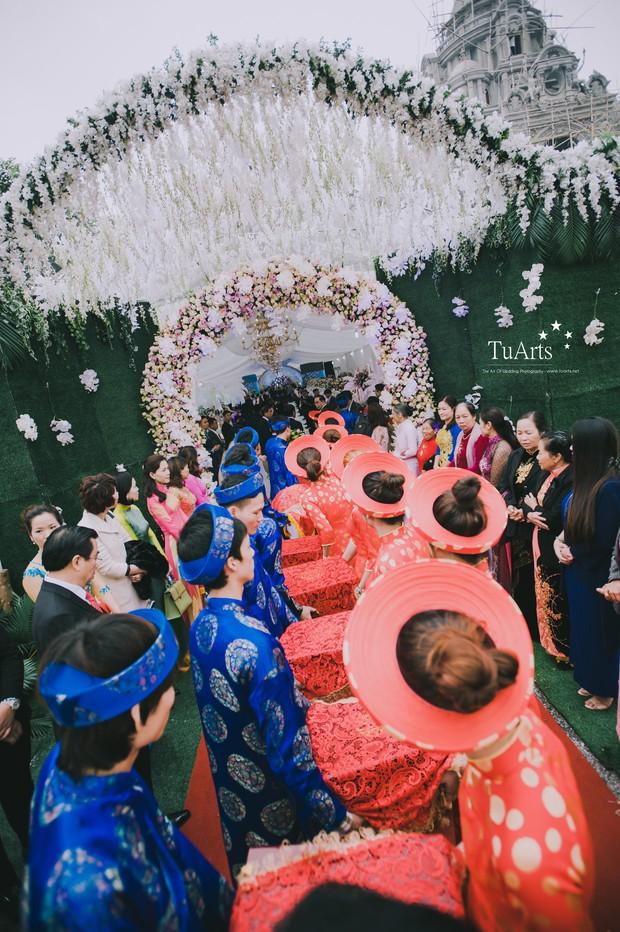 Đám cưới tại lâu đài trăm tỷ, rước dâu bằng Rolls-Royce và máy bay: Nam Định xứng đáng đứng đầu về độ chịu chơi tổ chức đám cưới - Ảnh 18.