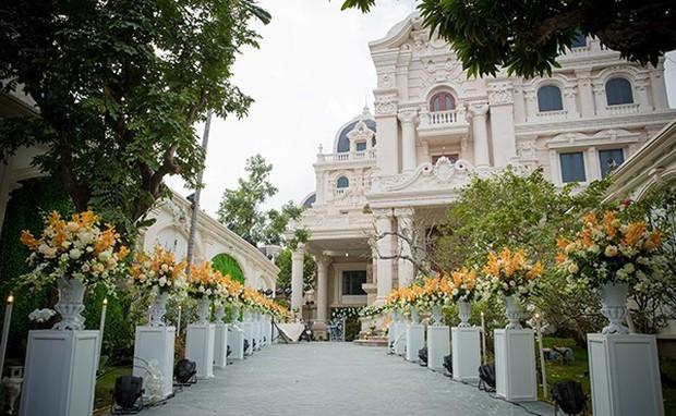 Đám cưới tại lâu đài trăm tỷ, rước dâu bằng Rolls-Royce và máy bay: Nam Định xứng đáng đứng đầu về độ chịu chơi tổ chức đám cưới - Ảnh 23.