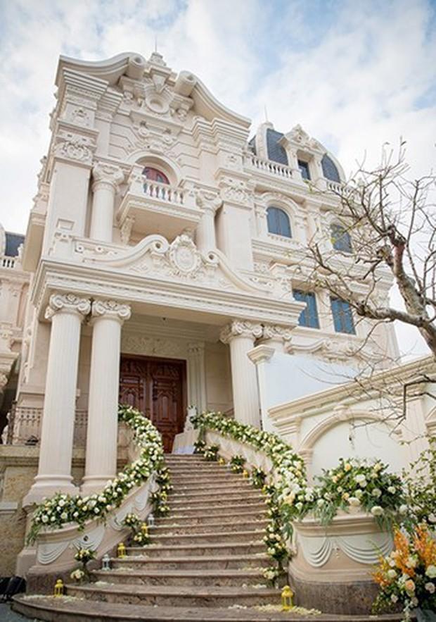 Đám cưới tại lâu đài trăm tỷ, rước dâu bằng Rolls-Royce và máy bay: Nam Định xứng đáng đứng đầu về độ chịu chơi tổ chức đám cưới - Ảnh 24.