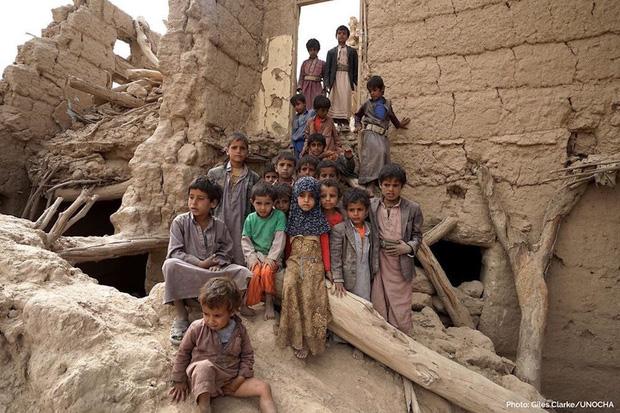 Nền giáo dục của Yemen, đối thủ Việt Nam tại Asian Cup: Những đứa trẻ gầy trơ xương bên cạnh trường học đổ nát, hoang tàn - Ảnh 9.