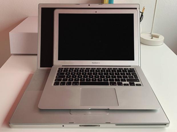 Có phải Apple đang tiến hóa ngược: MacBook 12 năm trước viền màn hình còn mỏng hơn cả bây giờ! - Ảnh 3.