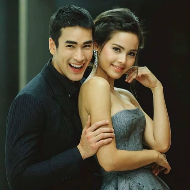 Muôn kiểu cặp đôi màn ảnh Thái Lan: Người về chung một nhà, kẻ chìm thuyền đôi ngả - Ảnh 1.