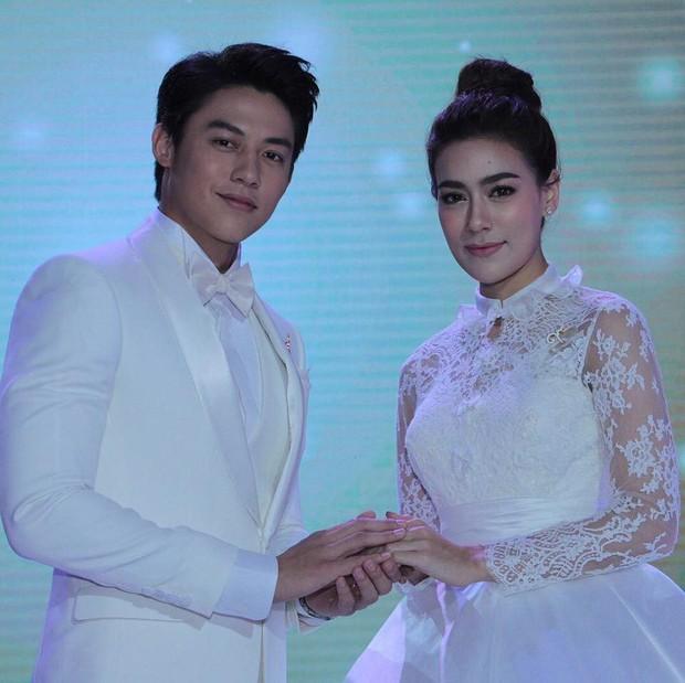 Muôn kiểu cặp đôi màn ảnh Thái Lan: Người về chung một nhà, kẻ chìm thuyền đôi ngả - Ảnh 7.