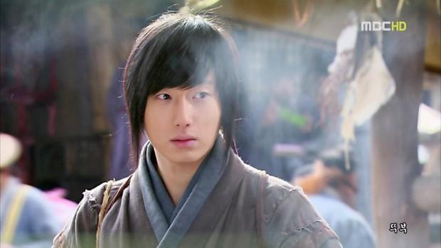 Tiếp tục chơi thử thách 10 năm hộ 5 diễn viên Hàn: Bạn sẽ giật mình vì thanh xuân quá vội vã! - Ảnh 12.