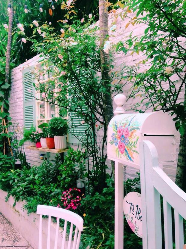 Điểm danh những quán trà chiều mang concept Alice In Wonderland ở Sài Gòn, có mấy quán nằm trong xó xỉnh tìm bở hơi tai - Ảnh 2.